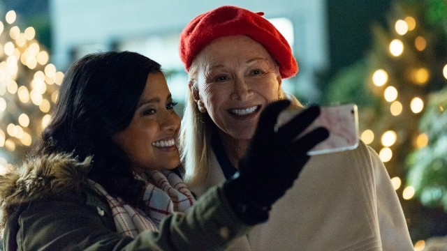 2018 Holiday TV Movie Preview - Lifetime Uncorked
